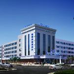 グロリア プラザ エアポート ホテル チンダオ(凱萊機場大酒店)