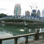 有湖就有桥
