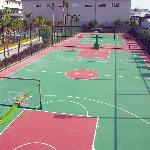篮球场、网球场
