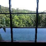 窗下私人泳池