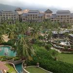 热带雨林般的全景酒店内部!