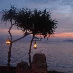 蜜月大餐 酒店会特别布置在海边伴着夕阳 超浪漫