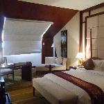 楼上卧室-大床房