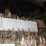 洞里有超多佛像