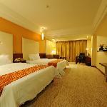 Xinruncheng Hotel