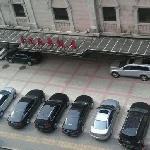 饭店与停车场