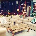 沙发区,喝茶聊天很舒服