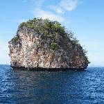 露在海面上的小岛尖