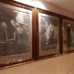 酒店内挂的马迭尔创建人的照片