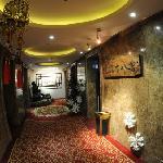 Baoluo Shibahui Hotel