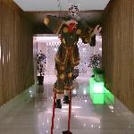 元素餐厅入口处的木偶