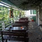 这就是阳台了,在这里喝茶聊天好不惬意