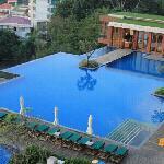 早晨酒店泳池