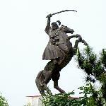 成吉思汗及坐骑蒙古马雕塑。