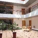 Ling Yan Hotel