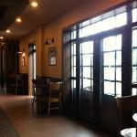 Starbucks (ShangHai Huayuan)의 사진