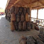 沙坡头黄河的羊皮筏子