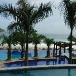 亚龙湾海景酒店的泳池