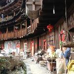 塔下村中的圆形土楼