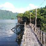 温泉外围木桥景色