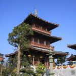 酒店旁边的庙
