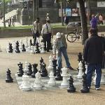 广场一侧的国际象棋