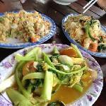 海鲜炒饭 虾肉炒粉 炒青菜