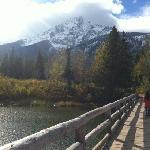 雪山和湖泊