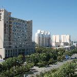 东鑫宾馆位于石河子开发区汇林大厦一楼