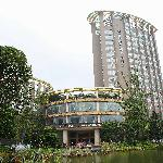 Xiangrui Hushang Hotel