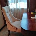 椅子和桌子,椅子很舒服