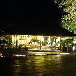 酒店大堂夜景