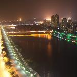 河景房窗外夜景1