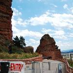 Red Rocks剧场门口