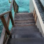 水屋楼梯直接下海浮潜