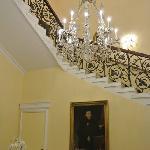 有特色的酒店内老式楼梯