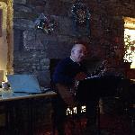 老板深情演绎经典苏格兰歌曲