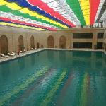 酒店恒温游泳池