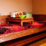大床房罗汉桌