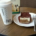 ภาพถ่ายของ Starbucks (JieFang Bei)