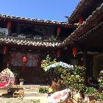 庭院,静静晒太阳是丽江行中最难忘的。