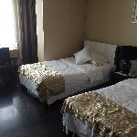 Foto de Housing International Hotel