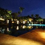 Ayana酒店的夜景也很美