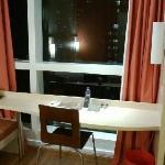 沙发和桌子