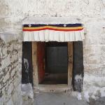 乃穷寺的小门