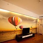 Photo de Lejiaxuan Creative Theme Serviced Apartments Qingdao Thumb Plaza