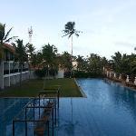 游泳池不错!