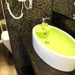 浴室洗手盆