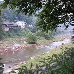 空气清新,河水清凉,氛围不错,