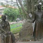 中山公园里的塑像